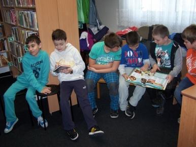 Náhled ke článku Návštěva knihovny, vycházka na Košatku, 3. ročník