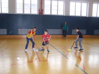 Náhled ke článku Školní turnaj ve florbalu
